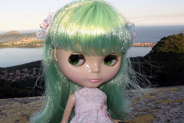 Blythe Enchanted Petal para Adoção