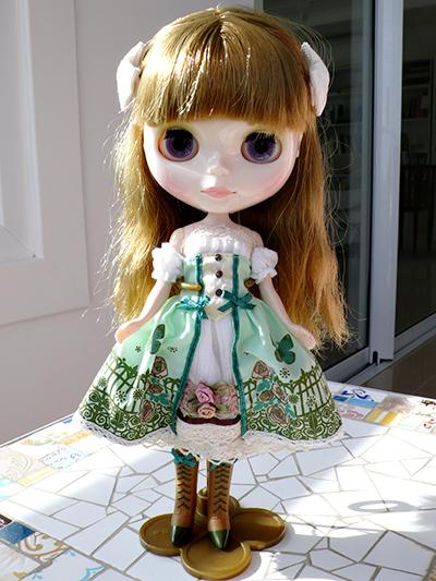 Pinker blythe factory custom para ado o we love blythe for Blythe le jardin